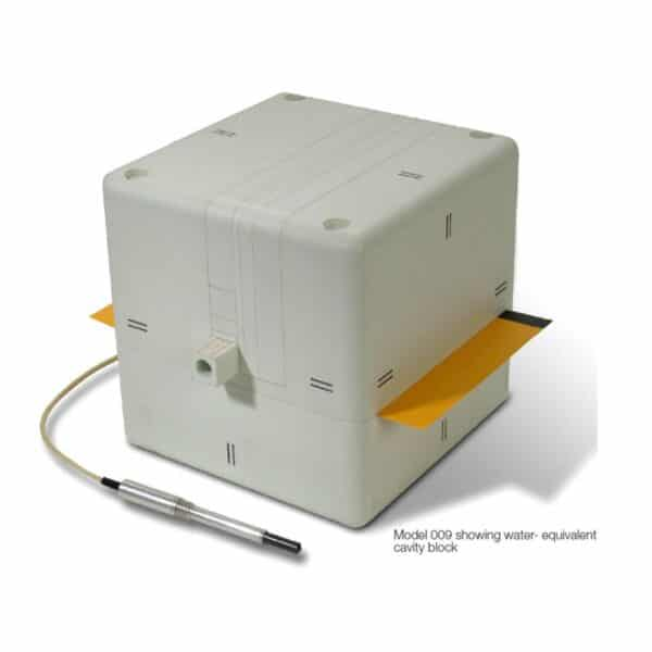 fantome-cube-20 designed for routine quality control in radiotherapy